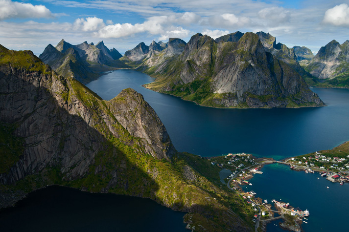 Superyacht destinations the norwegian fjords superyacht for Fjord agency